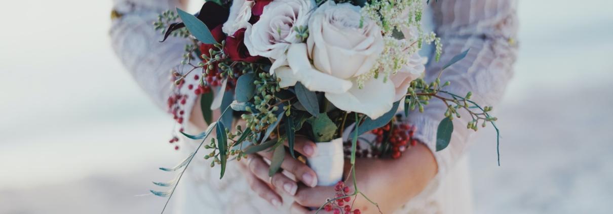Decor Ideas for your Winter Wonderland Wedding | Winter Wedding Invitation