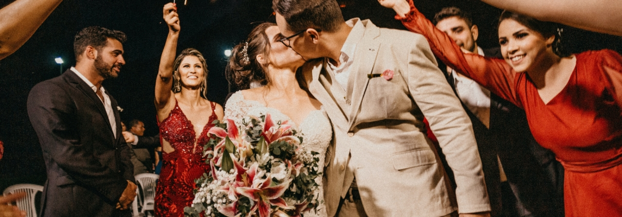5 Easy Ways to Cut Wedding Costs   How To Cut Wedding Costs