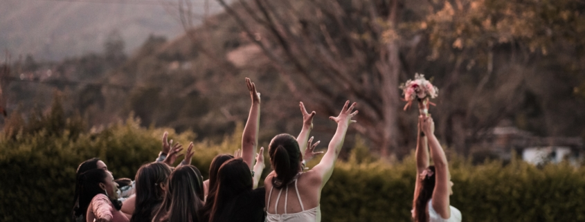 How To Keep Your Wedding Guests Happy | Utah Announcements